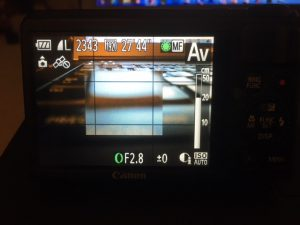 Using the manual focus on the Canon S100 to set the focus to a distance of about 20cm from the camera